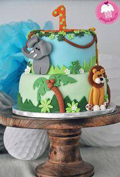 Cake: Dschungel Safari / Created by Jenny Glatz / Jenny's Cakes (www.jennyscakes.ch) Voting Link: https://www.facebook.com/MassaTicinoCARMA/app_451684954848385 © Massa Ticino™ Sugarpaste