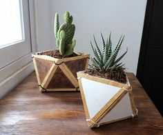 Katie Loves …the simple materials of these cool geometric planters (or pencil holders!). Cut out triangles of plywood with a utility knife and assemble with cable ties - full tutorial here . How great would these look with neon cable ties? Photo: Ohoh Blog