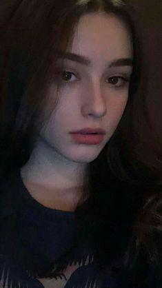 Girl Face, Woman Face, Girl Pictures, Girl Photos, Ideal Girl, Cute Young Girl, Fake Girls, Girls Selfies, Cute Beauty