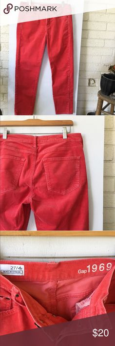 GAP boyfriend cords EUC - no signs of wear! Love these ankle length boyfriend cords! Button fly and such a cute pinky orange color. Great for transitioning to fall! Gap Pants Ankle & Cropped