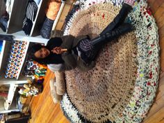 Waejong just finished a new rug! At Loopy Mango.