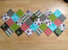 DIY Patchwork Tischläufer - Läufer Diy Mode, Christmas Gifts, Christmas Tree, Kids Rugs, Quilts, Blanket, Sewing, Holiday Decor, Home Decor