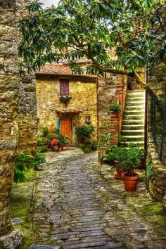 "Montefioralle, Italy -  ""Montefioralle Alleyway #1"" Dennis Rainville Fine Art Photography"