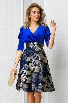 Rochie Aron albastra cu imprimeu floral bej Floral, Dresses, Fashion, Vestidos, Moda, Fashion Styles, Flowers, Dress, Fashion Illustrations