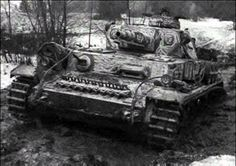Panzer IV Ausf F of Panzer Division crosses a muddy stream during the Battle of Moscow, Nov 1941 Panzer Iv, Army Vehicles, Armored Vehicles, Luftwaffe, History Of Germany, Ww1 Tanks, Medium Armor, Armoured Personnel Carrier, Tank Destroyer