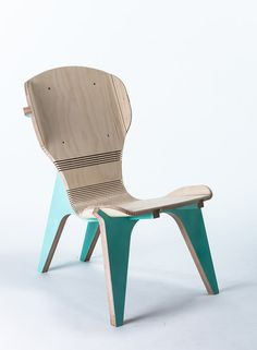 Boris Goldberg uses kerfing technique on his chair to create the look of bent wood. The structure of the chair (the legs) are used as a bending tool.