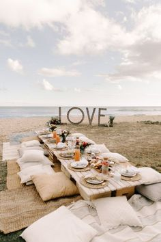 Boho Beach Wedding, Beach Wedding Inspiration, Dream Wedding, Beach Engagement Party, Beach Weddings, Wedding Ideas, Hawaii Wedding, Wedding Poses, Beach Wedding Tables