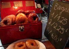 Dans le Mile-End, le Café Sardine et Chez Boris sont des incontournables. Les Miles, Montreal Food, Restaurants, Quebec, Bagel, Muffin, Lime, Favorite Recipes, Old Montreal