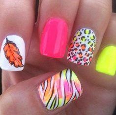 #nails #diseño #original #cute #lovely #colors #animalprint #plume #woman #mujer #latina #fashion #moda #style #cccuartaetapa Love for nails 6 piso