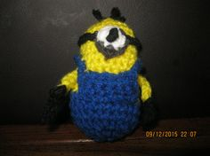 Love the minions? Here is an adorable stuffed minion toy. Great for any minion lover. Made out of yarn and fiberfill stuffing. This little minion