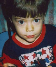 Harry Styles, Louis Tomlinson and Zayn Malik inundate fans with baby pictures Harry Styles Lindo, Fetus Harry Styles, Harry Styles 2013, Harry Styles Funny, Harry Styles Pictures, Harry Styles Imagines, Harry Edward Styles, Young Harry Styles, Harry Styles Eyes