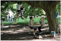A tentativa de abrir um café debaixo de uma árvore em um dia ensolarado!   Roomie (Rumi)