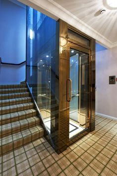 Elevators between floors-- When you can't be bothered to use aforementioned staircase, it's imperative to have other options. A glass elevator, as modelled by this Mayfair mansion, is perfect. House Lift, Staircase Wall Decor, Elevator Design, Mayfair, House Design Pictures, Lift Design, Rich Home, Mansions For Sale, Interior Stairs