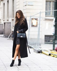 Robe Coat Trend: Annette Haga is wearing a robe coat from Notion 1.3