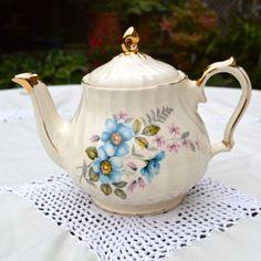 Hey, diesen tollen Etsy-Artikel fand ich bei https://www.etsy.com/de/listing/163461914/vintage-english-sadler-teapot-blue