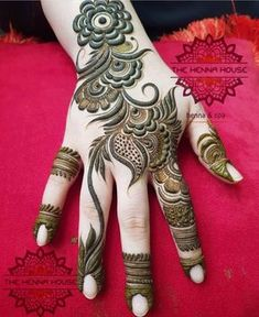 this is Most Best Latest Backhand Floral Mehndi Design Arabic Bridal Mehndi Designs, Khafif Mehndi Design, Floral Henna Designs, Mehndi Designs 2018, Mehndi Designs For Girls, Modern Mehndi Designs, Mehndi Design Pictures, Dulhan Mehndi Designs, Mehndi Designs For Fingers