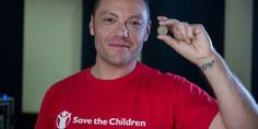 "Tiziano Ferro sostiene campagna di Save the Children ""Fino all'ultimo bambino"""