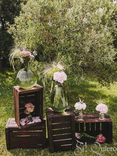 Vintage wedding deco. Stylish Spanish country house wedding.