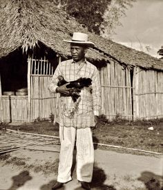 Filipino Lakay with Rooster Miss Philippines, Philippines Culture, Old Photos, Vintage Photos, Barong Tagalog, Noli Me Tangere, Filipino Culture, Filipiniana, Vader Star Wars