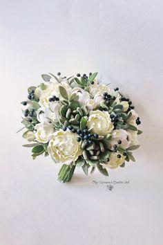 Wedding bouquet Bridal bouquet with black berries Succulent bouquet Clay bouquet Black white Navy blue bouquet with succulents and berries