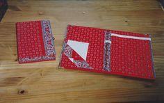 SCHRIJFMAP en BLOKNOOTHOUDER gemaakt van oude kartonnen opbergmappen  . Bekleed met boerenzakdoeken. benalwaysbusy@gmail.com