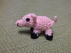 Miniature crochet pig amigurumi tiny small micro by SalemsShop