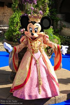 Queen Minnie Mouse