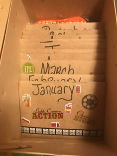 This Grandma Made A Homemade Adventure Gift Box With 12 Months Of Family Activities I am so stealing this idea! A grandma came up with an 'Adventure Awaits' box, and it's brilliant. Just imagine how fun it would be to wake up on Christmas Homemade Christmas, Diy Christmas Gifts, Holiday Gifts, Christmas Crafts, Kids Christmas, Adventure Gifts, Adventure Awaits, Cadeau Grand Parents, Gift Of Time