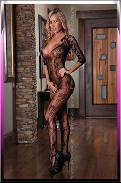 Sexy bodystocking, made material very stretchy, flowers embroidered . Open to the crotch, she rightly emphasizes the body! 90% Polyamide, 10% Elastanne. Colour: Black. PR4160