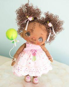 Sold #alicemoonclub #florida #ooak #textile #handmade #nicegift #lbts #shorehaven #christmasgifts #dollclothes  #heirloom  #fabricdoll #felt #customdoll #christmasgiftsideas #doll #gift #gifts# bestgift# happiness #bestchoice #baby #shoes #pink #white # green # balloon #darkskingirls #picoftheday #goodlook #babygirl #giftideas #christmas