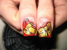Check these out nightmare before christmas nails Holiday Nail Designs, Creative Nail Designs, Creative Nails, Holiday Nails, Creative Art, Nightmare Before Christmas Nails, Holiday Fashion, Nail Arts, Short Nails