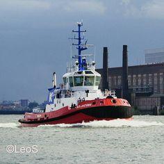 """""""#nlrtm #kotug #tugboat #sdjacoba #nieuwemaas #rotterdam @tugboat_lovers @kotug_towage #thenetherlands"""""""