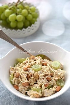 Sałatka z kurczakiem i winogronami Party Snacks, Fried Rice, Italian Recipes, Potato Salad, Grilling, Appetizers, Food And Drink, Cooking, Ethnic Recipes