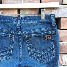 Joe's jeans denim jeans Joes denim jeans. 7 and a half inch rise 31 inch inseam. Some wear to the bottom as shown Joe's Jeans Jeans