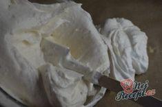 Křehká kokosová roláda s mascarpone krémem | NejRecept.cz Icing, Food, Mascarpone, Essen, Meals, Yemek, Eten