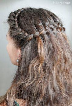 Waterfall braid + ohjelinkkejä Amazing Hairstyles, Beautiful Braids, Hair Dos, Waterfall, Hair Beauty, Diy Projects, Dreadlocks, Hair Styles, Fashion