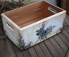 Decoupage Wood, Decoupage Furniture, Decoupage Vintage, Painted Furniture, Wood Crafts, Diy And Crafts, Wood Projects, Craft Projects, Wooden Crates