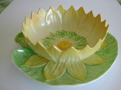 Carlton Ware Yellow Waterlily Grapefruit Dish
