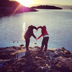 #sisterlove #sister #alwaysandforever #norwegianfjords #norway2day #norwegiangirls #insta_love #insta_pic #naturephotography #nature_pics #myplanet_nature #myphoto #menyphotograpy #fjordsofnorway #seaview #fishing #familylife #family #visitnorway #norway #sunrise