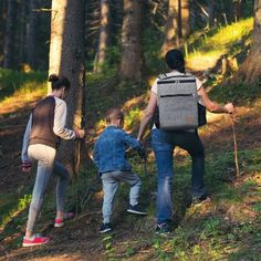 Mochila 30L, Modelos Top 2020 ✅ ++ para Hombre ✚ Mujer, modelos y colores ++ excelentes marcas, Para Montaña ligeras Viaje + Camping + Caminata, Deportes al Aire Libre. Precios increíbles de Amazon. Descubre ahora y Compra ya! Soft Cooler, Insulated Backpack, Cool Backpacks, Picnic Backpack, Camping Bbq, Picnic Lunches, Color Names, Outdoor Activities, Cool Stuff