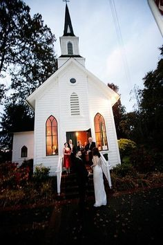 Perfect Little Church!!! I'd rather cram my family and friends into a small chapel than feel as though I'm getting married in an empty room. <3
