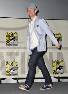 Martin at Comic Con last summer  (2012).  I don't care what anyone says, I loved his sandals.  And his  hat.  <3