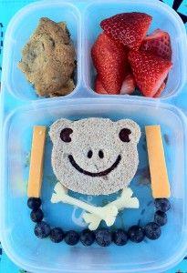 Pirate Frog EasyLunchbox - RachelsRandom.com #bento #vegetarian @CuteZcute #cuteZcute #easylunchboxes @Kelly Teske Goldsworthy Teske Goldsworthy Lester / EasyLunchboxes