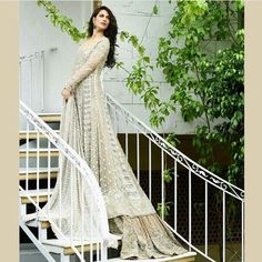 Faraz Manan - Elegant white pakistani bridal dress