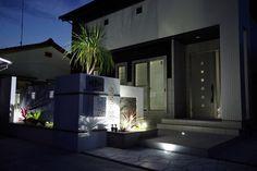 水の音で「涼」を感じる。目と耳で楽しむ夜のしらべ。#LightingMeister #GardenLighting #OutdoorLighting #Exterior #Garden #Lightup #Water #Cool #Fountain #Summer #水 #光 #涼しい #泉 #夏