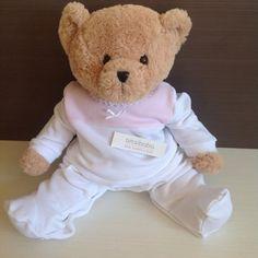 Pijama largo blanco y rosa con puntilla blanca de Babidu · 23.75€