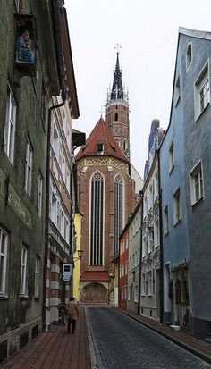 St. Martin's Church in Landshut, Germany (by Helmut Reichelt on Flickr) 1498