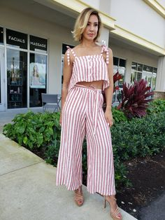 Set crop top and wide pants Wide Pants, Red And White Stripes, Fashion Boutique, Thrifting, Fashion Inspiration, Crop Tops, Dresses, Vestidos, Loose Pants