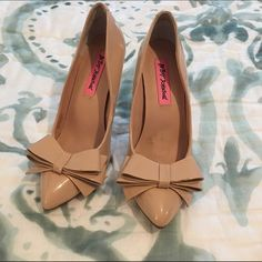 Betsey Johnson Nude Bow Heels These are my favorite shoes, but they were too small for me when I bought them. They already had the defect on them as pictured. Worn just around the house. Stunning shoe. Betsey Johnson Shoes Heels