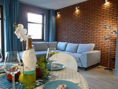 Amber Apartament Sopocka Przysta? Sopot Amber Apartament Sopocka Przysta? offers accommodation in Sopot, 1.2 km from Crooked House and 1.4 km from Sopot Pier. Guests benefit from balcony. Private parking is available on site.  A dishwasher and an oven can be found in the kitchenette.